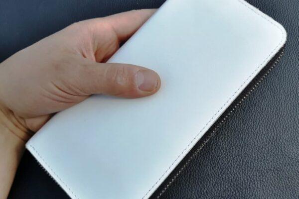 білий гаманець